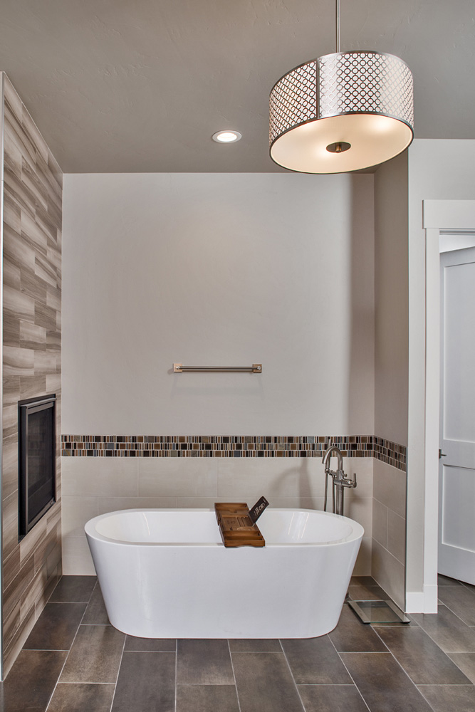 Master bathroom, tub details